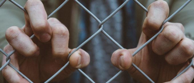 börtön kártérítés